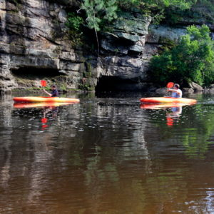 700-canoes2